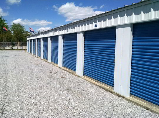 10'x10' storage units for smaller fishing boats
