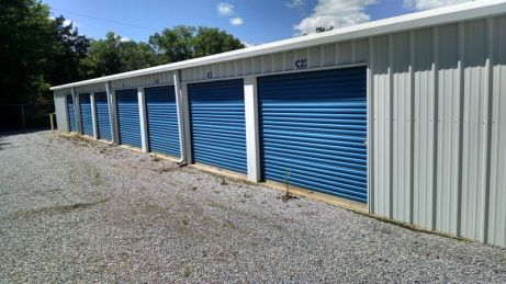 10x10 mini storage units with 100 sq ft and 8 ft ceiling in Montgomery Metro Area.