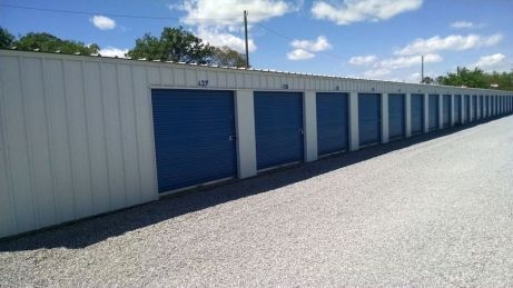 Our 10-foot wide mini storage units offer easy access and loading near Maxwell AFB in Montgomery, Alabama.